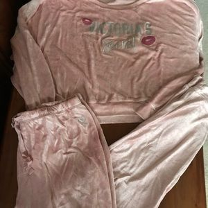 VS SHIMMERING CREW TERRY CLASSIC JOGGERS PINK